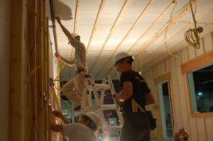Особенности устройства потолочных светильников в доме