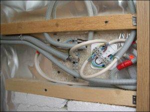 Особенности устройства электрической проводки в бане