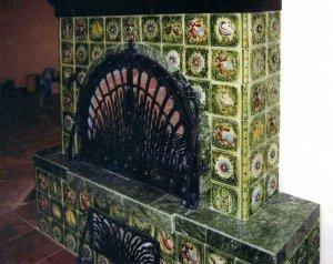 Каминная печь с изразцами: история